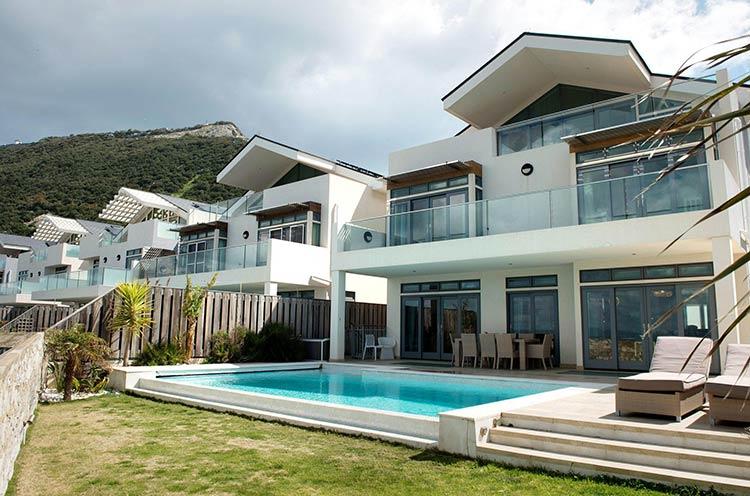 недвижимость в Гибралтаре
