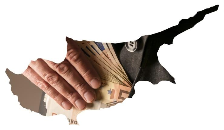 Каким образом Кипру позволили вывести деньги