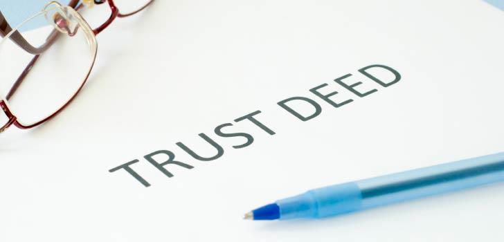 В чем отличие Trust deed от обычного траста