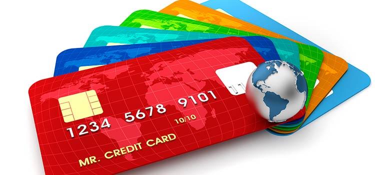 В России будут отслеживать финансовые операции по банковским картам