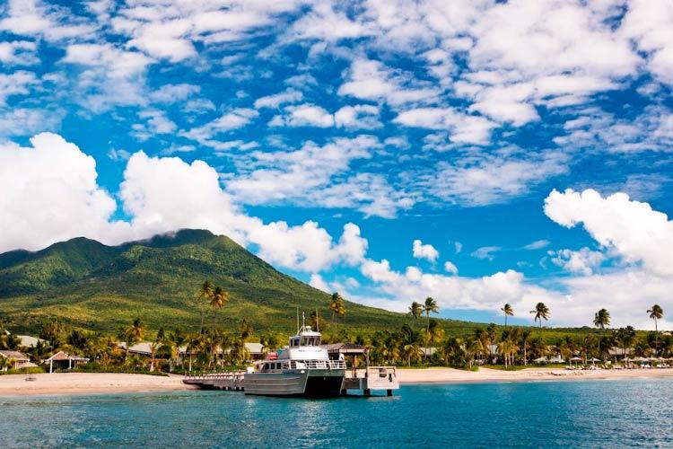 Four Seasons на острове Невис