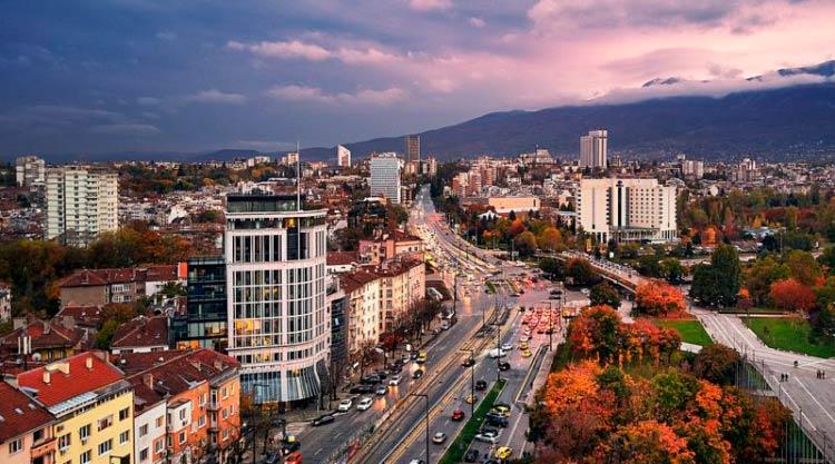 Гражданство за инвестиции 2019: почему Болгария должна сохранить программу?