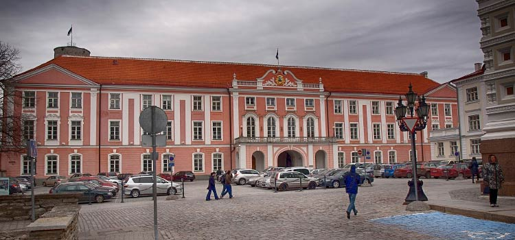 нотариусы в Эстонии смогут заверять документы