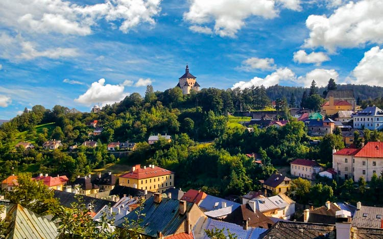ВНЖ при покупке недвижимости в Словакии