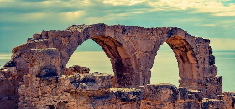консолидация банков на Кипре