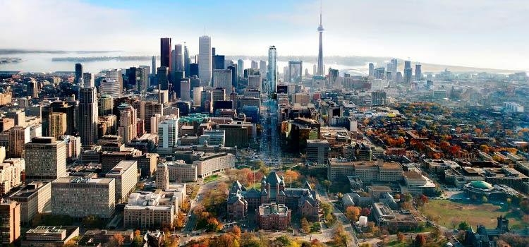 Почему жизнь в Торонто привлекает массы иммигрантов?