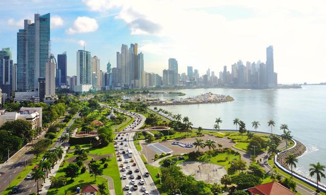легально иммигрировать в Панаму