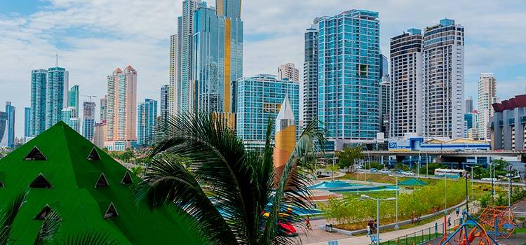 переехать в Панаму