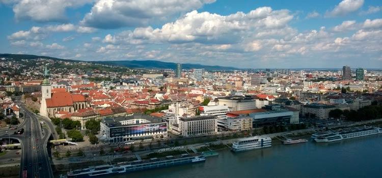 заниматься коммерческой деятельностью в Словакии