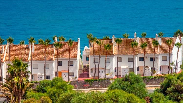 вид на жительство за недвижимость Испании