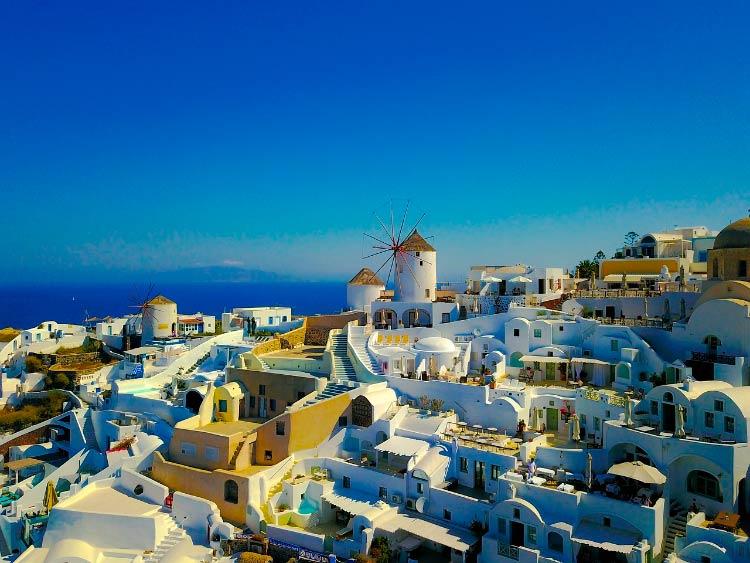 ВНЖ за недвижимость Греции