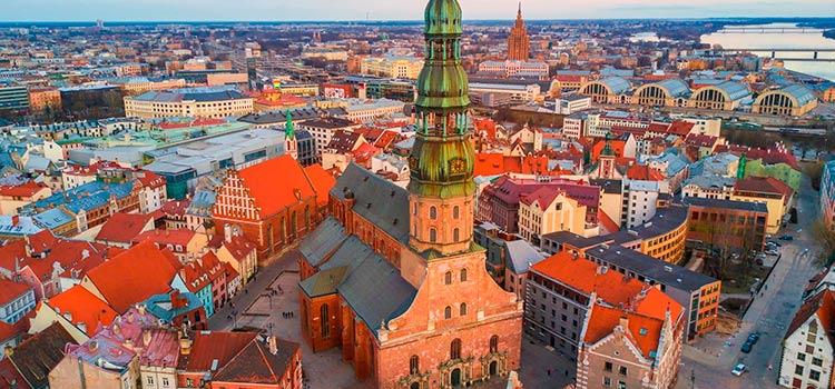 СМИ анализируют ситуацию вокруг Латвии