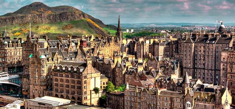 Компания в Шотландии