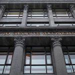Срок пребывания в РФ не будет сокращен для статуса налогового резидентства