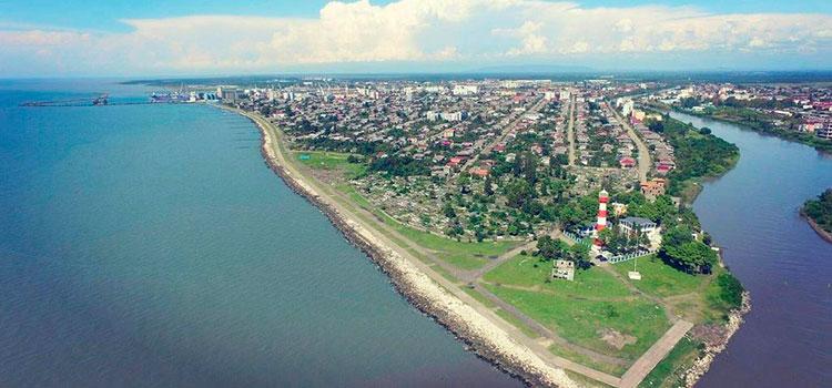 участок земли у берега Черного моря в Пот