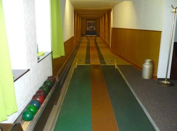 гостиница с рестораном, кегельбаном в Германии