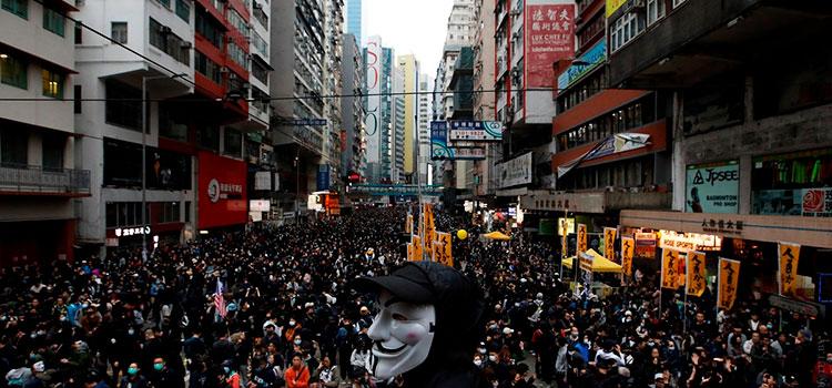 В новом году в Гонконге было арестованы около 400