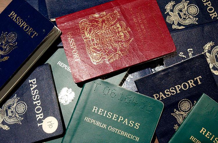 Хотите оформить второй паспорт