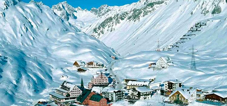 Купить действующий отель с собственным подъемником на горнолыжном склоне в Тироле (Австрия)
