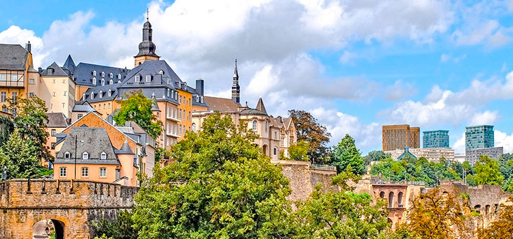 Люксембург является инвестиционным центром