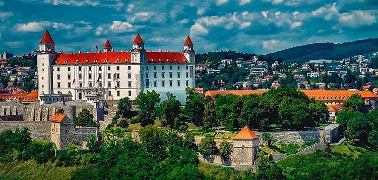 Особенности получения ВНЖ в Словакии