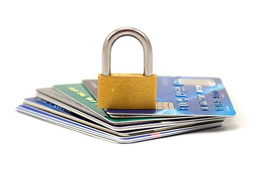 Как предотвратить закрытие иностранного банковского счета?