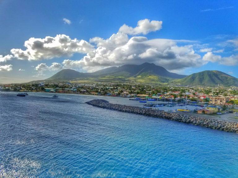 Как получить гражданство за инвестиции Сент-Китс и Невис в 2020 году