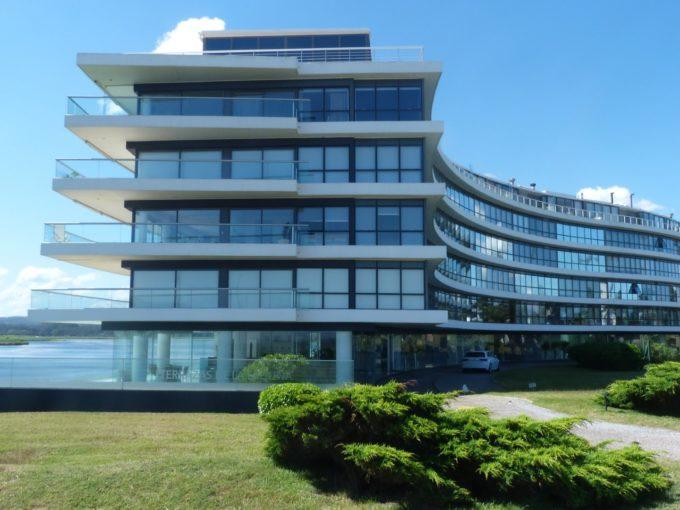 апартаменты в новом отеле в Уругвае