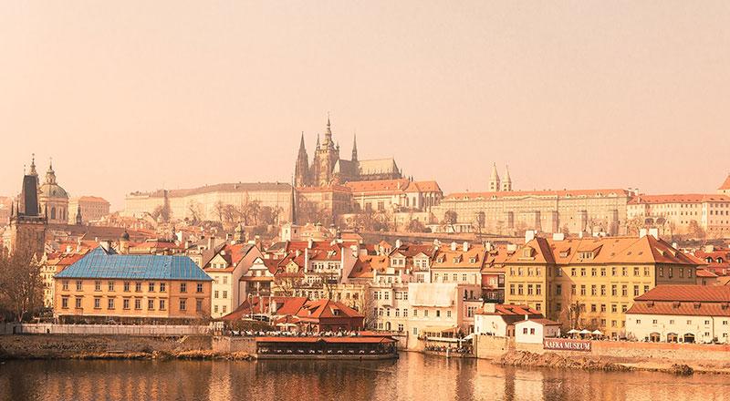 регистрировать компанию в Чехии