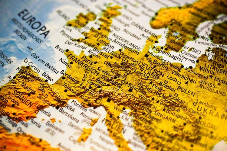 как проще всего получить гражданство ЕС