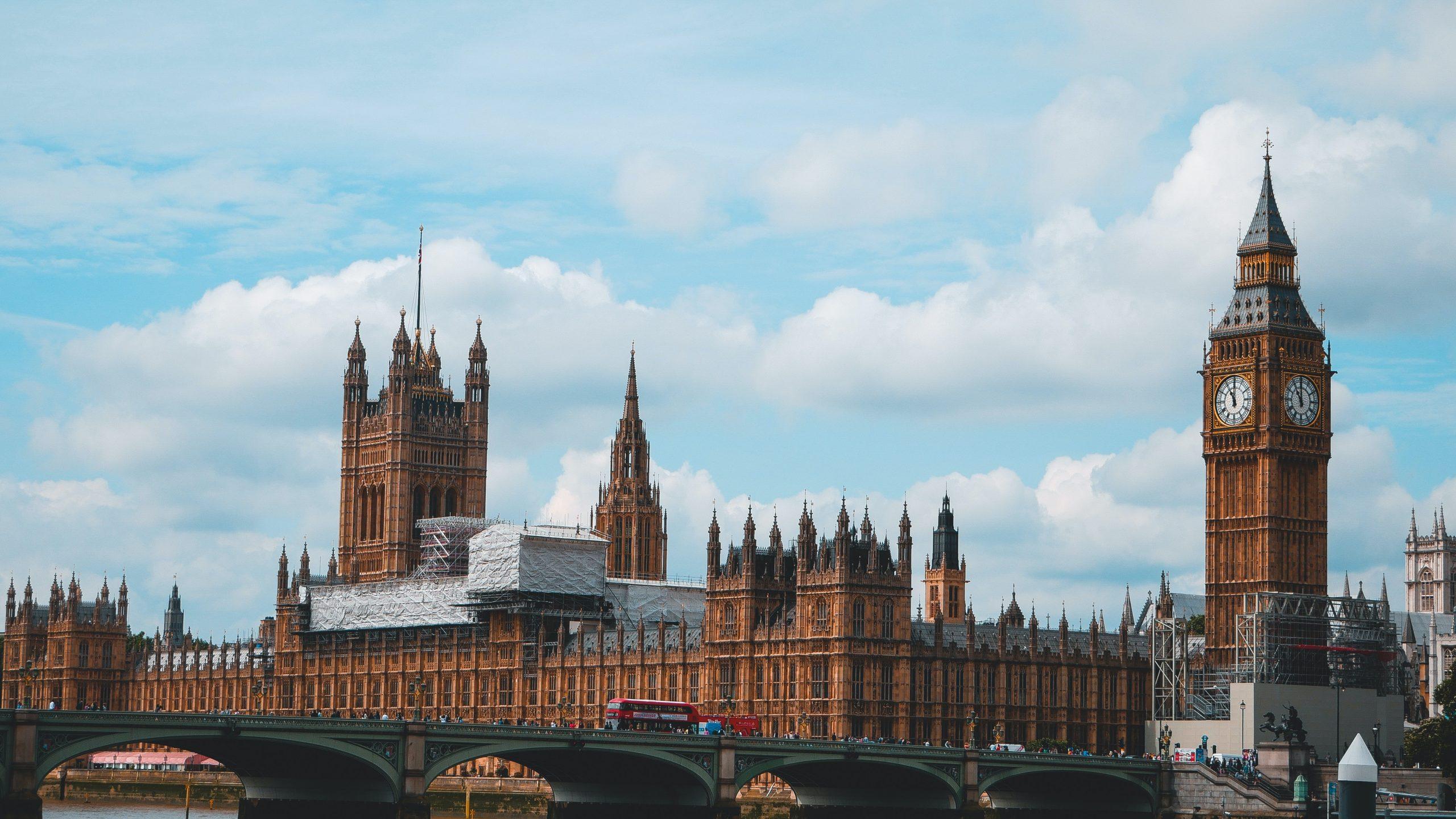 Нерезидент: условия прекращения статуса налогового резидента в UK
