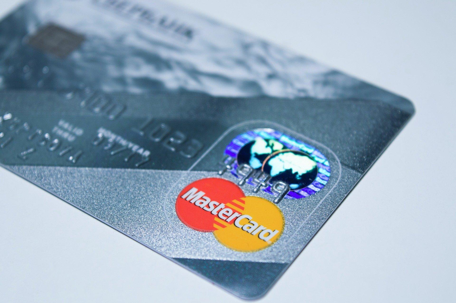 Mastercard ускорил конвертацию USD и Euro для своих карт