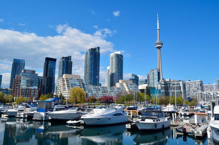 купить компанию и открыть счет в Канаде