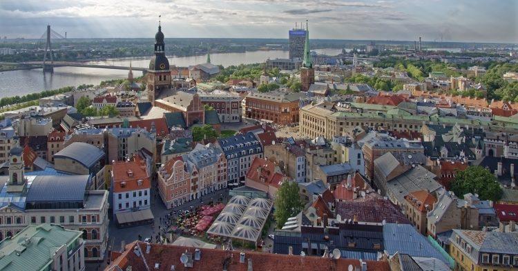 Компания в Латвии за 1 евро - фото