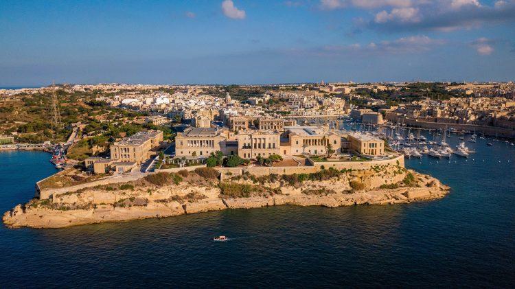 Компании на Мальте изображение