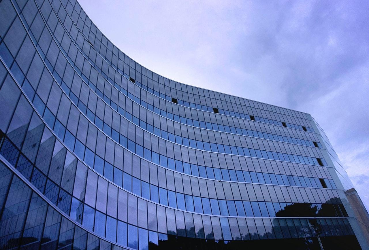 Фото - Компания на Невисе