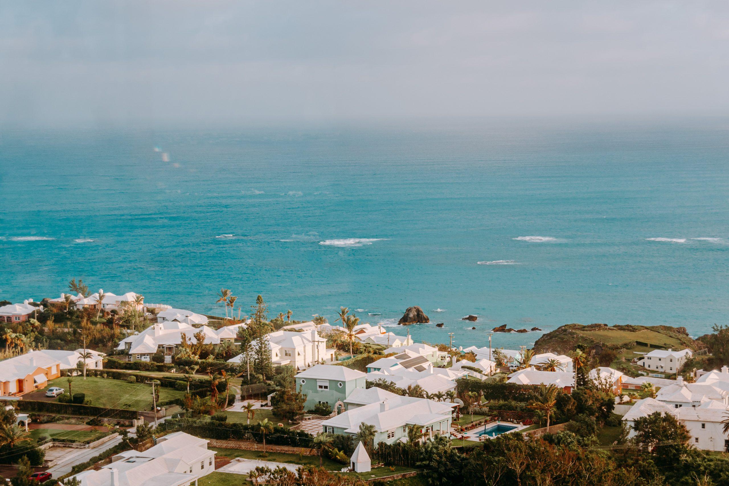 Фото - Компания в оффшоре Бермуды