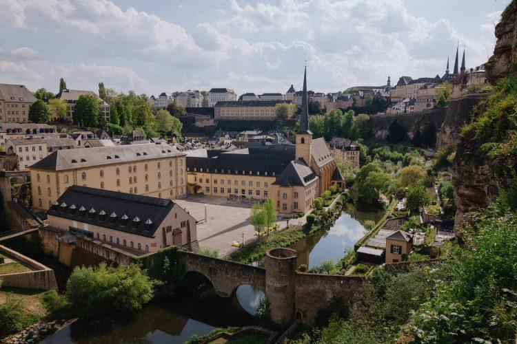 Счет для компании из Люксембурга