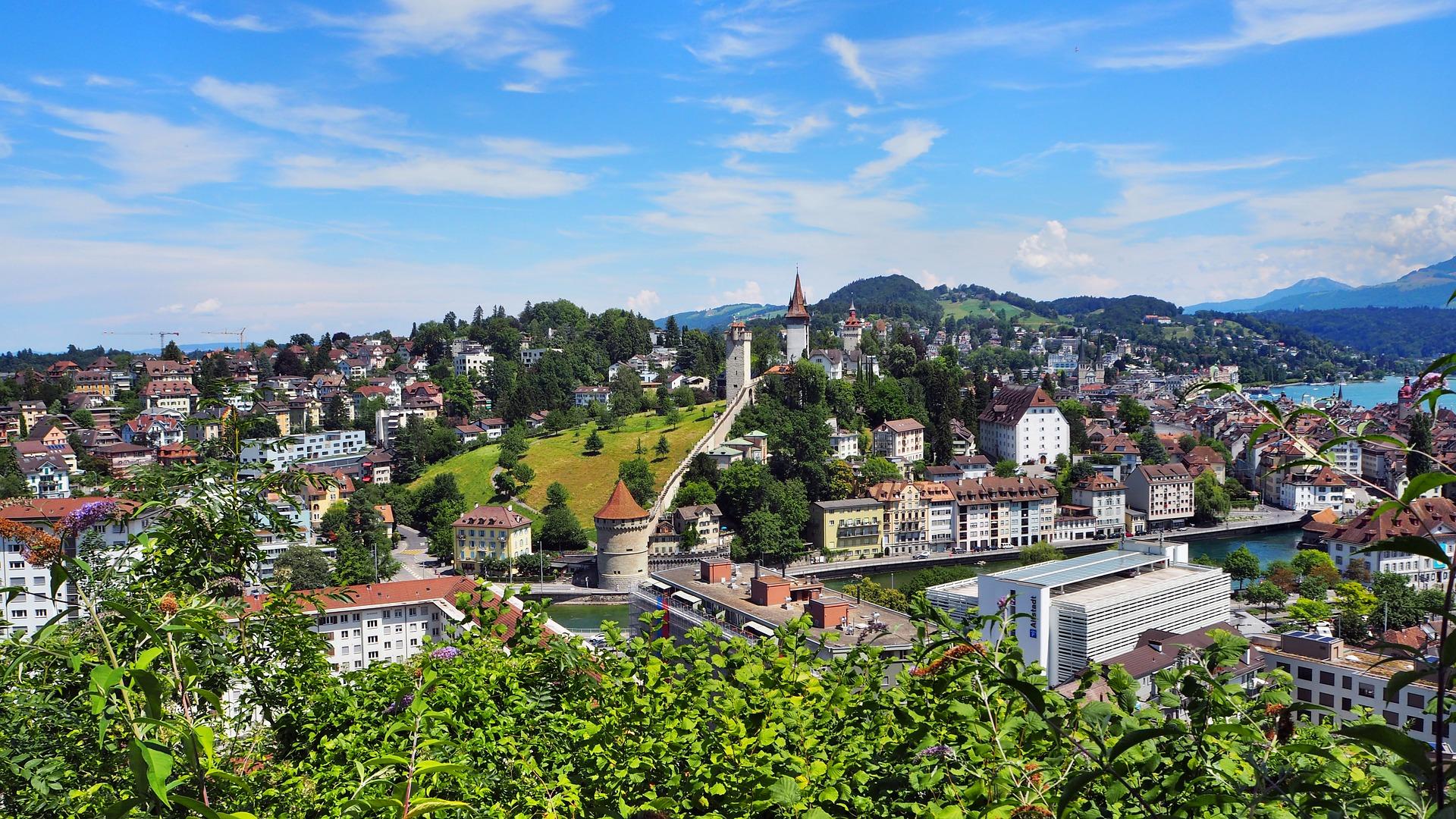 Открытие бизнеса в Швейцарии - фото