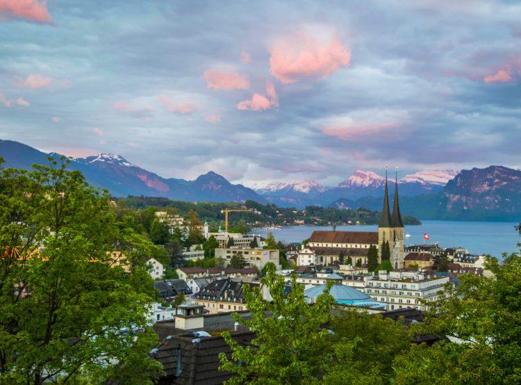 Счет б банке Швейцарии