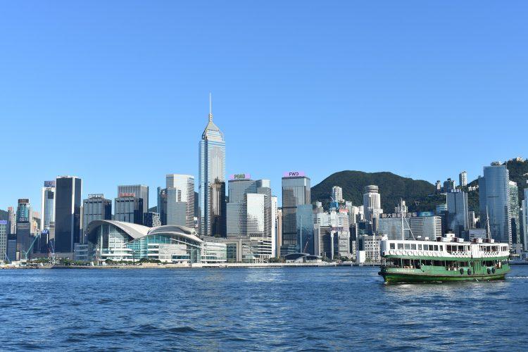 Секретарь в гонконгских компаниях - фото