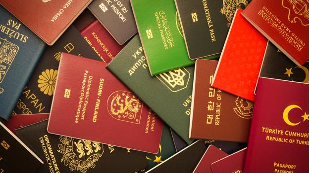 Второй паспорт для состоятельного россиянина