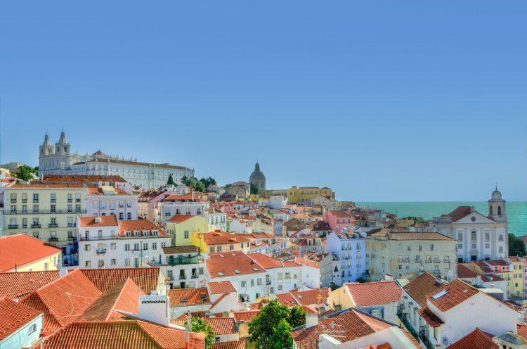 Вид на жительство за недвижимость в Порту