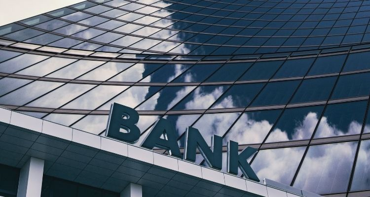Иностранный счет для украинских компаний - фото