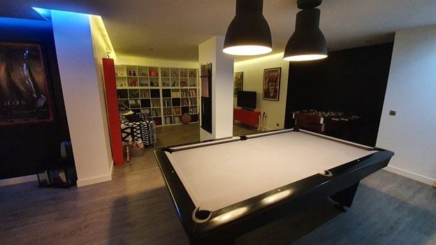 двухсветная гостиная - бильярд